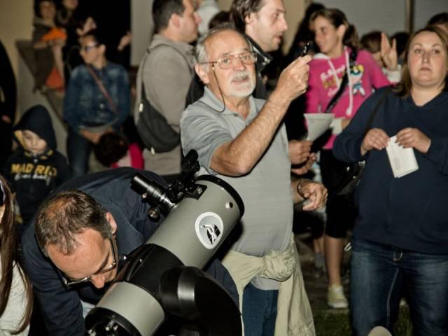 Planetario, osservazione, immagine di Edoardo Certini.jpg