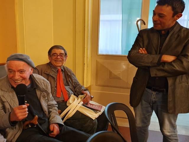 foto 2 - Franco Onali con il poeta Vito Taverna e il critico Danilo Sensi.jpg