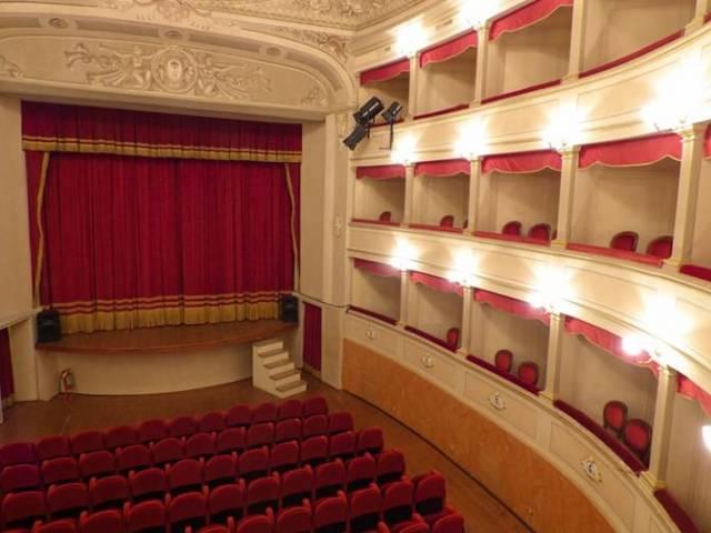 Teatro Monte San Savino.jpg