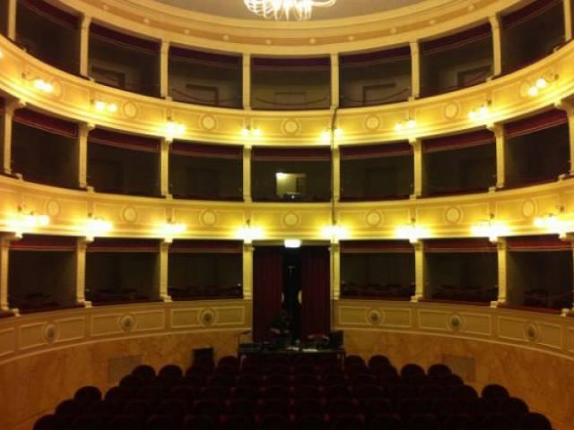 Teatro Castiglion Fiorentino.jpg
