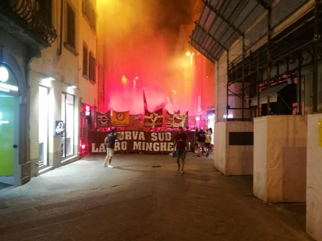 protesta tifosi Arezzo_6.jpg