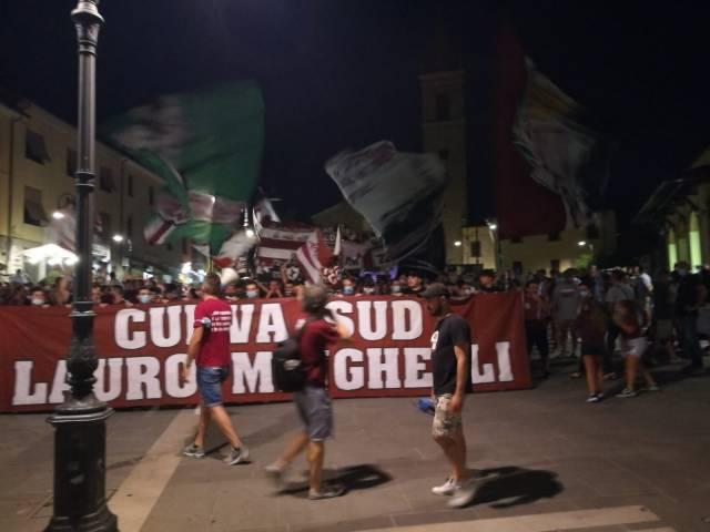 protesta tifosi Arezzo_2.jpg
