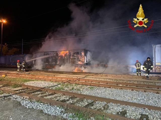 Incendio stazione Laterina2.jpg