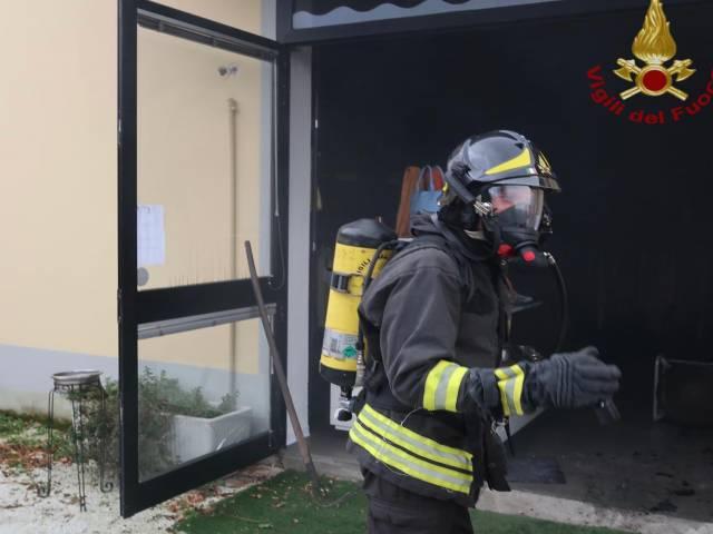 incendio_negozio Arezzo.jpg