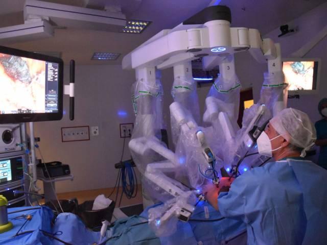 chirurgia robotica 1 - Copia.jpg