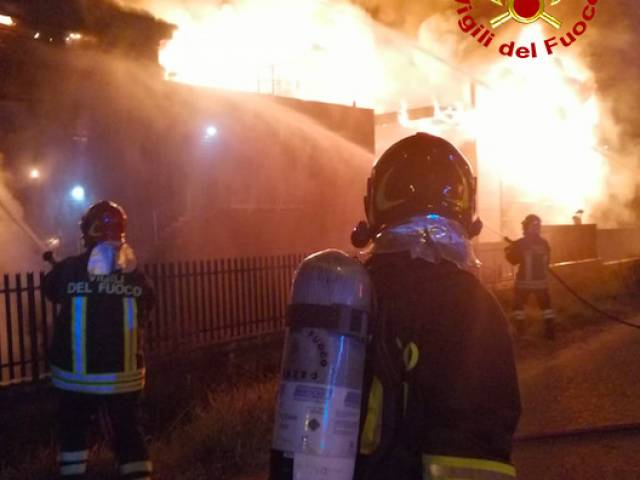 incendio Levane5.jpg