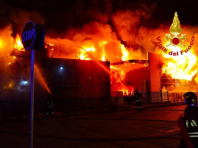 incendio Levane4.jpg