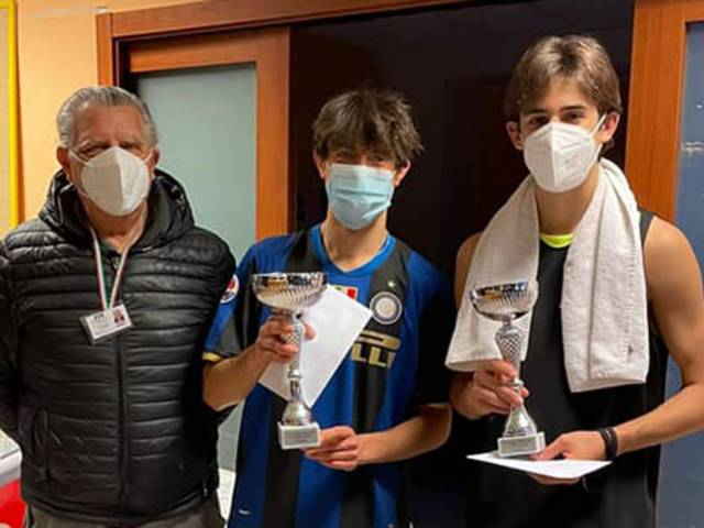 Tennis Giotto - Emanuele Sgrevi, al centro (1).jpg