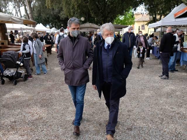 Fiera antiquaria_Prato_mag 21_15.jpg