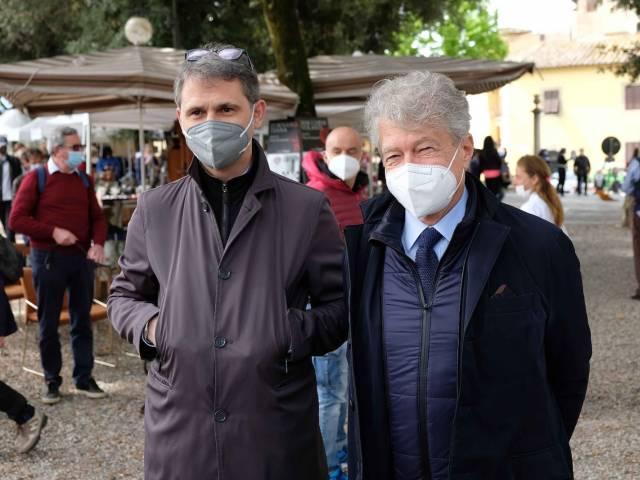 Fiera antiquaria_Prato_mag 21_14.jpg