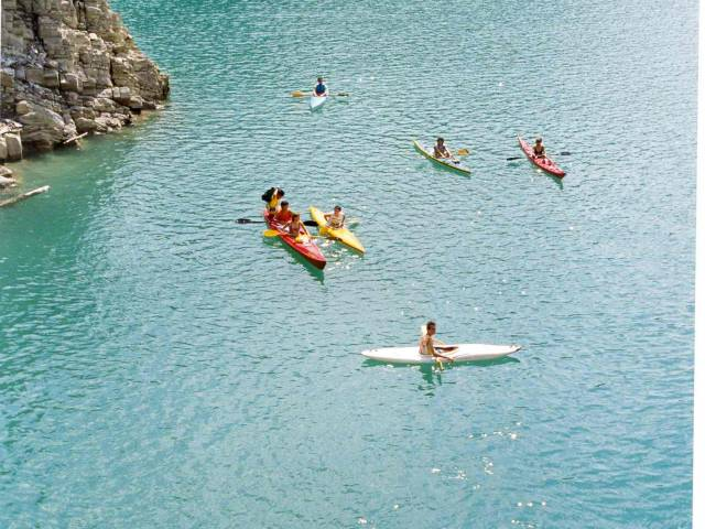 Canoe a Ridracoli (Archivio Romagna acque).jpg