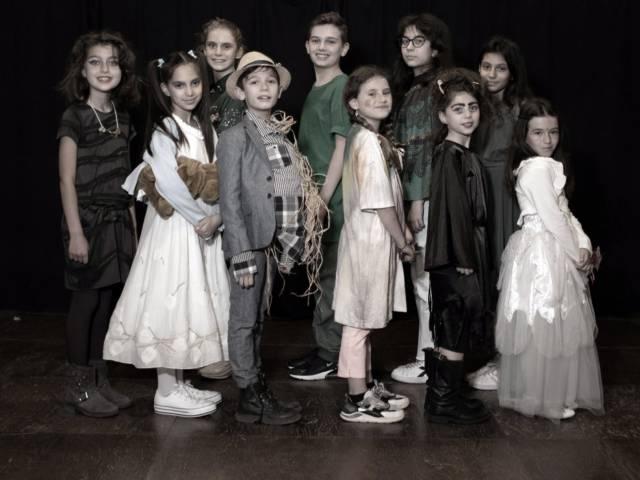 Libera Accademia del Teatro - Il mago di OZ (1).jpg