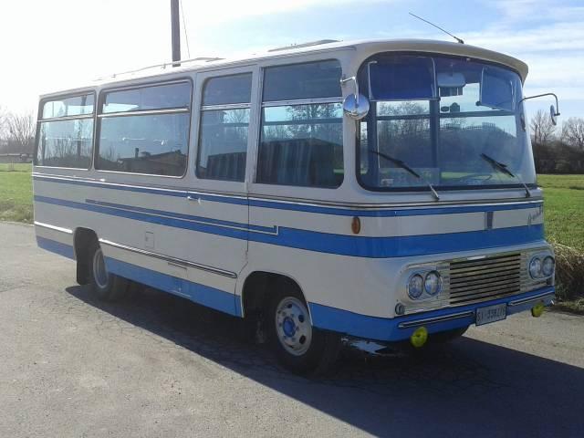 Autobus Collezione Francobus in Cortona.jpg