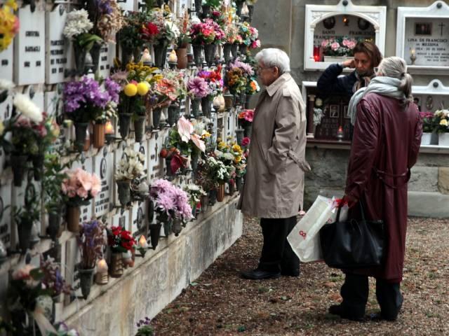 Commemorazione dei defunti, Messa al cimitero di Arezzo