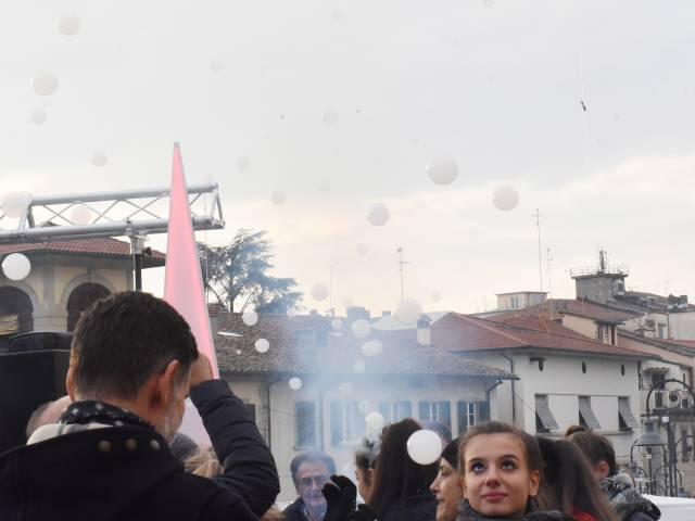 Palloncini in piazza santagostino  (8).jpg