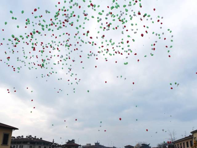 Palloncini in piazza santagostino  (46).jpg