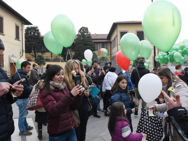 Palloncini in piazza santagostino  (20).jpg