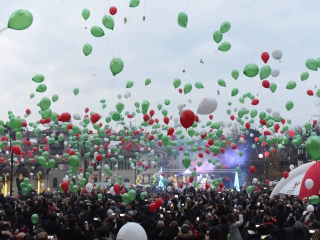 Palloncini in piazza santagostino  (39).jpg