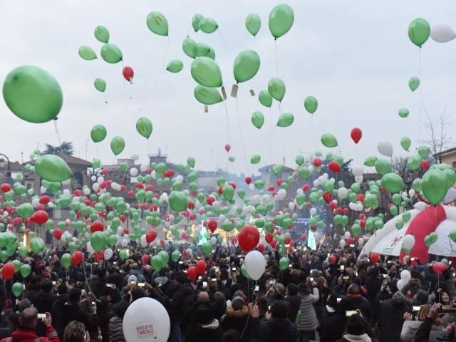 Palloncini in piazza santagostino  (38).jpg
