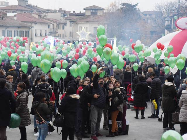 Palloncini in piazza santagostino  (34).jpg