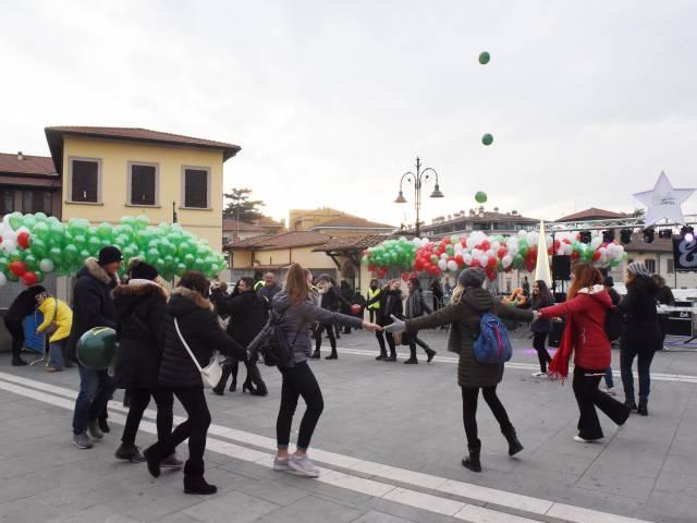 Palloncini in piazza santagostino  (6).jpg