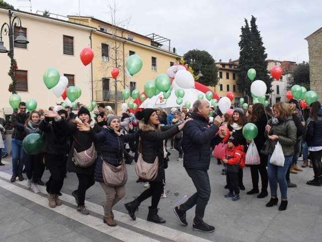 Palloncini in piazza santagostino  (24).jpg