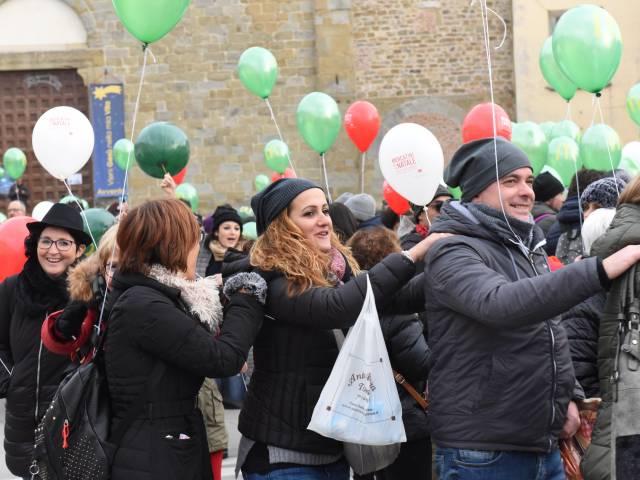 Palloncini in piazza santagostino  (26).jpg