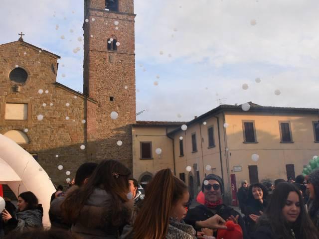 Palloncini in piazza santagostino  (12).jpg