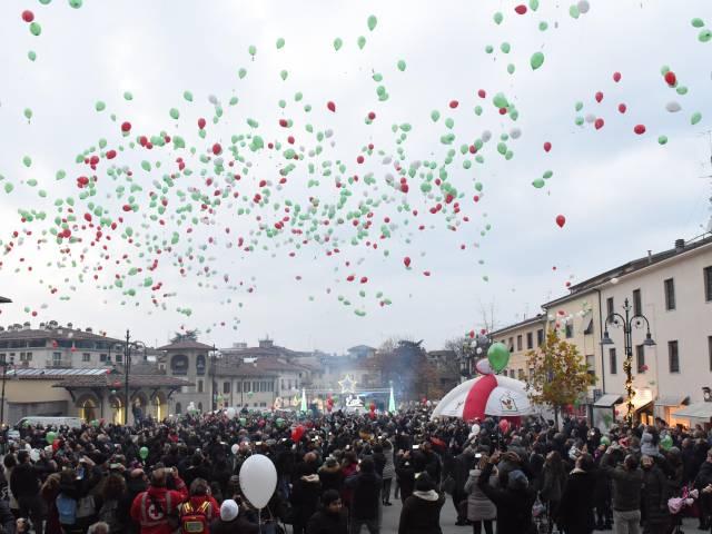 Palloncini in piazza santagostino  (43).jpg
